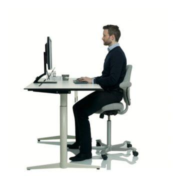 صندلی اداری غیر استاندارد و عوارض آن